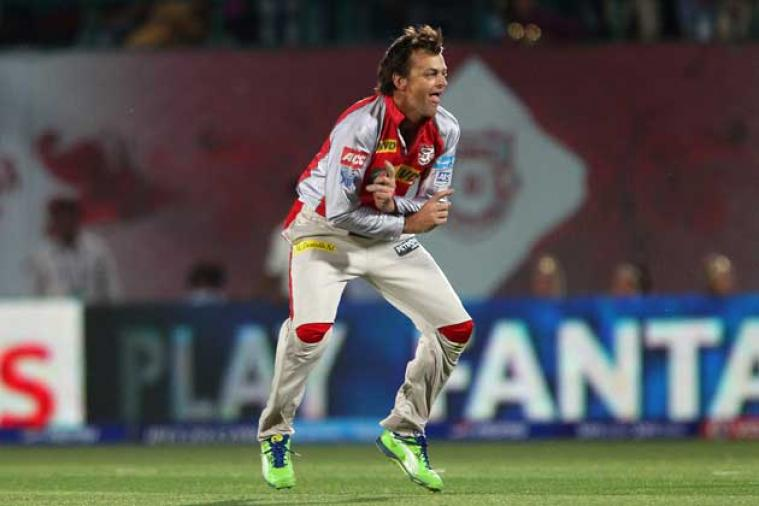 adam gilchrist taking wicket in ipl on very first ball, unknown cricket facts, unknown facts of cricket,unknown facts about cricket