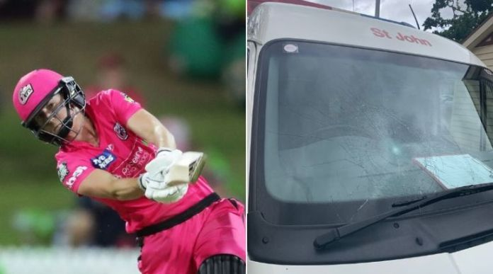 Ellyse Perry breaks the mirror of ambulance