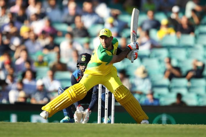 Glenn Maxwell switch hit