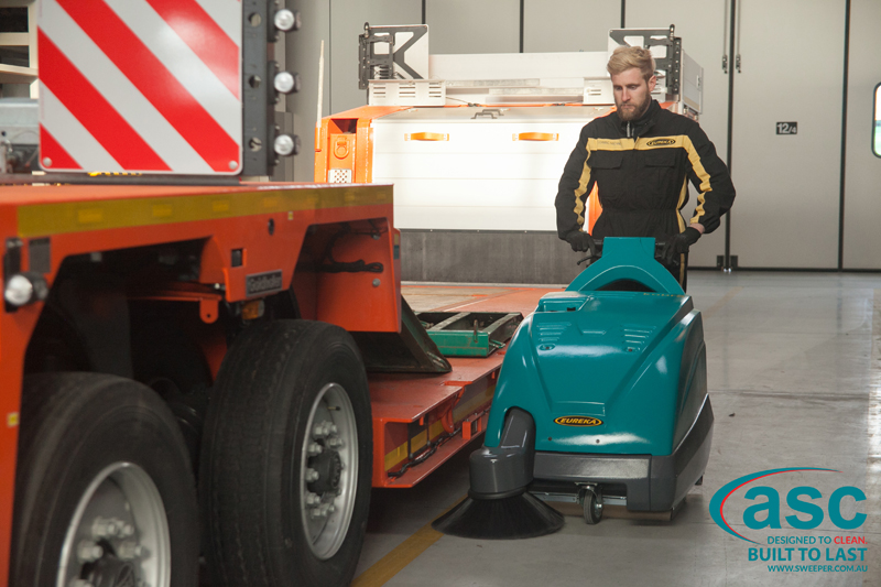 ASC Eureka M1 sweeper with man 7