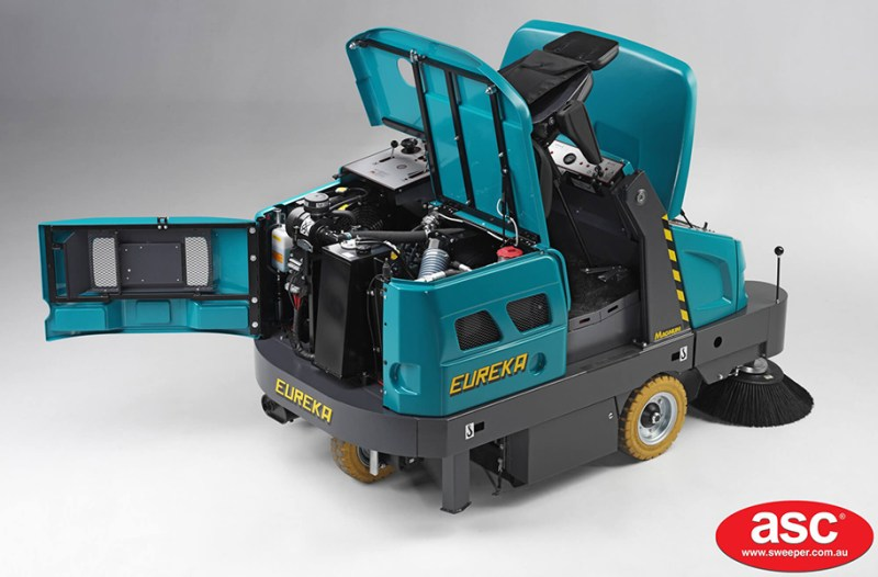ASC Eureka M6 Sweeper with man 9