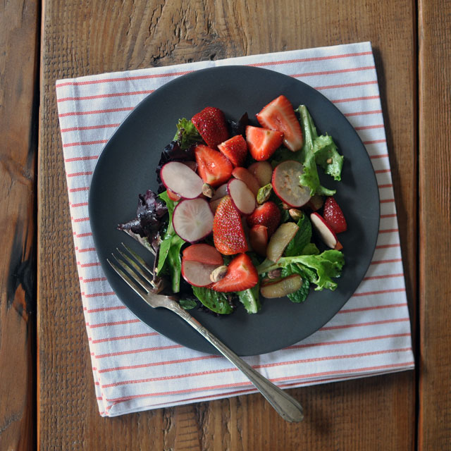 strawberryrhubarb_salad_top