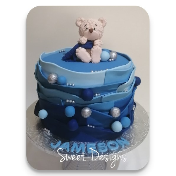 Baby Shower Cake with gumpaste bear