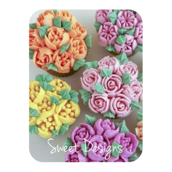 Russian Piping Flower Cupcakes