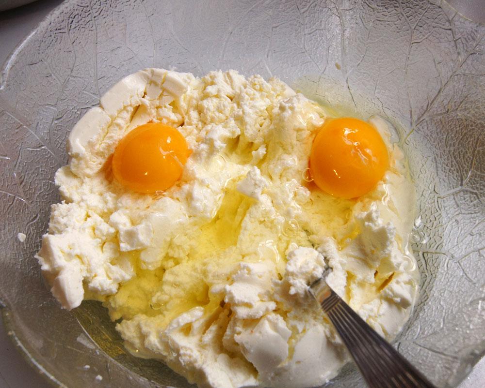 Eier einkneten