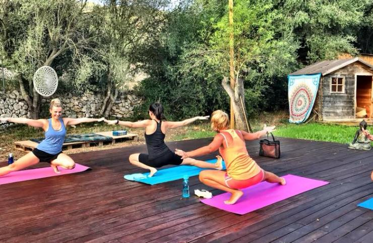 Vinyasa Yoga with HIIT sequences