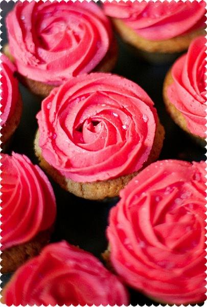 Valentine S Day Pink Rose Rosette Buttercream Swirl Cupcakes