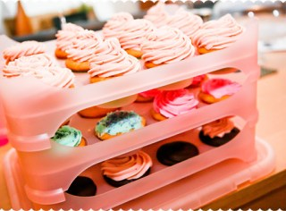 Strawberry, Chocolate & Vanilla Buttercream Frosting Cupcakes – School Bake Sale