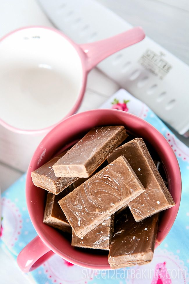 Coca-Cola (Coke) Fudge | Sweet2EatBaking.com | #fudge #candy #coke #cocacola #recipe
