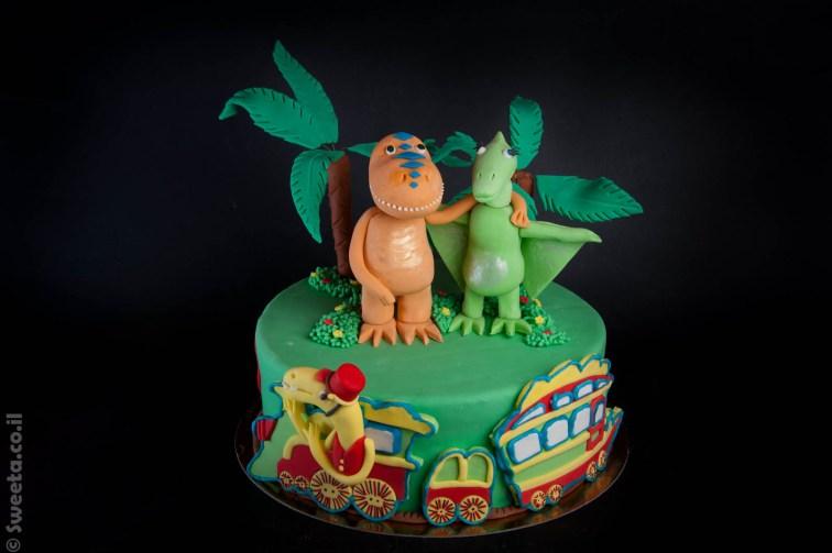 עוגת רכבת הדינוזאורים