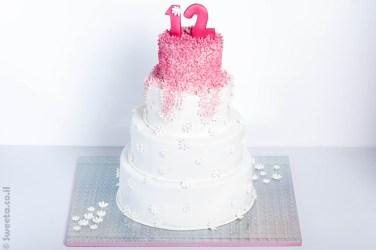 עוגה מעוצבת ארבע קומות לכבוד בת מצווה