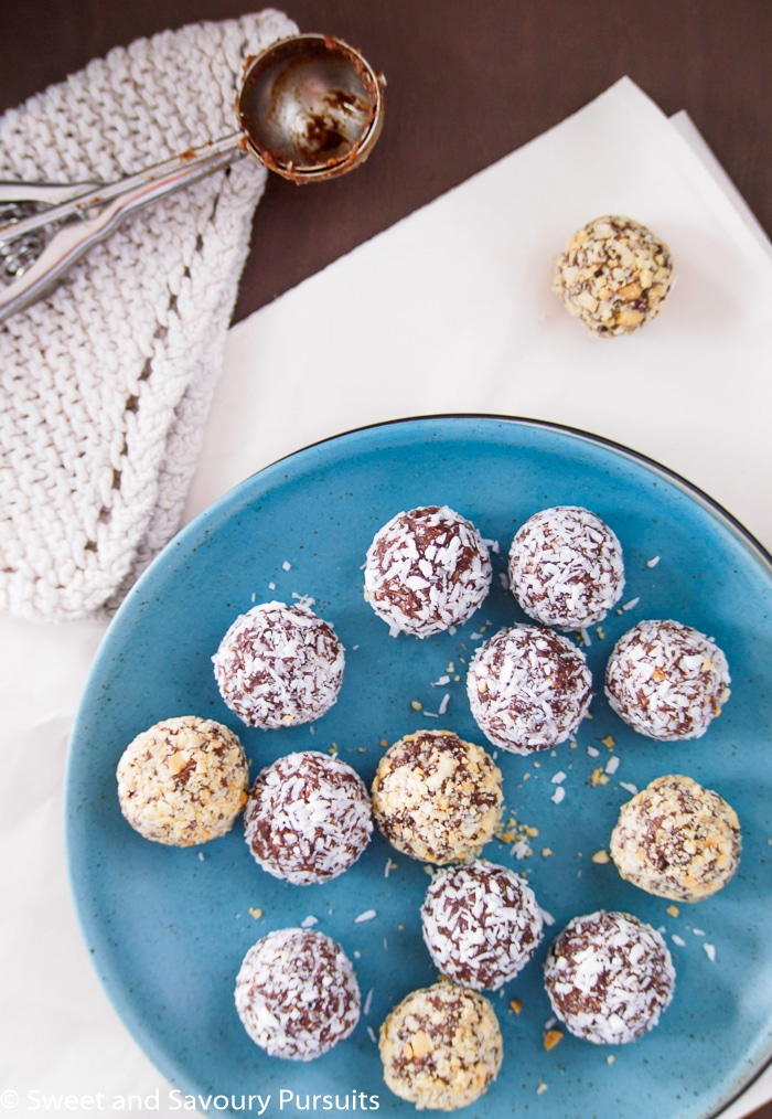 These quick and easy to make 5 Ingredient Date Energy Balls are made without refined sugar, make a nutritious snack and are perfect for a quick energy boost!