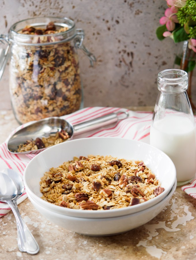 Bowl of vegan Homemade Maple Pecan Granola with Dates