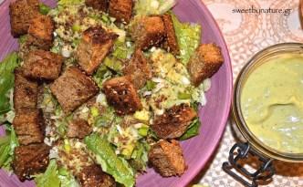 Σαλάτα του Καίσαρα με αβοκάντο_1