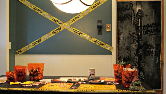 oriental-trading-halloween-table