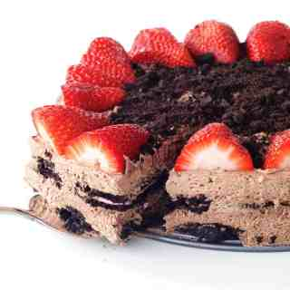Strawberry Oreo Chocolate Icebox Cake