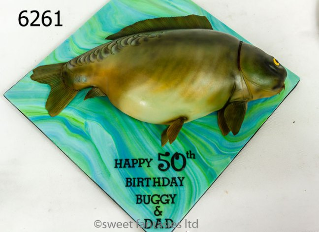 Making a 3D fish birthday cake - sweet fantasies