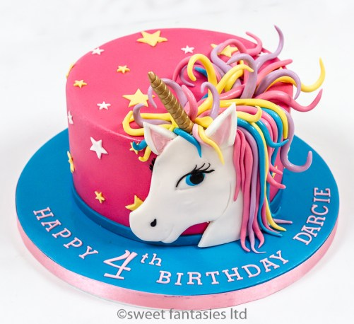 Single Tier with 2D Unicorn Head