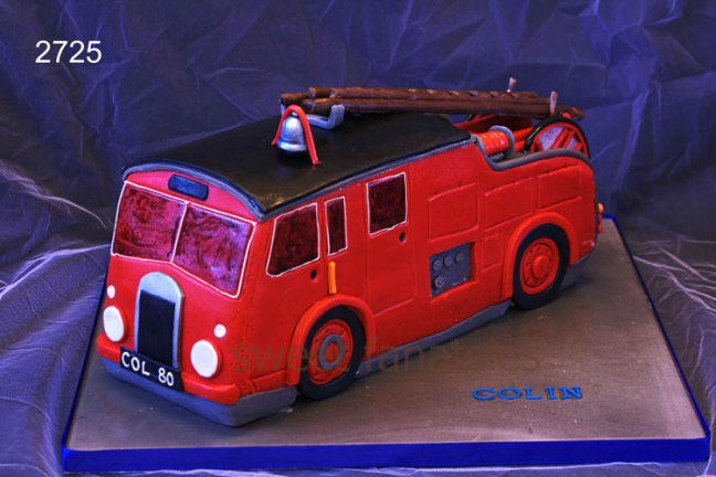 3D Old Red Fire Engine Birthday Cake