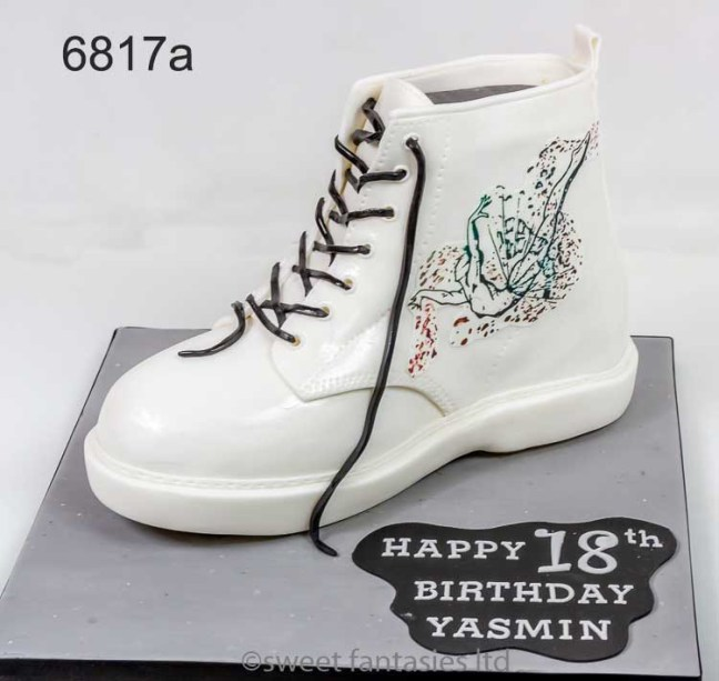 3D Boot - girls 18th birthday cake