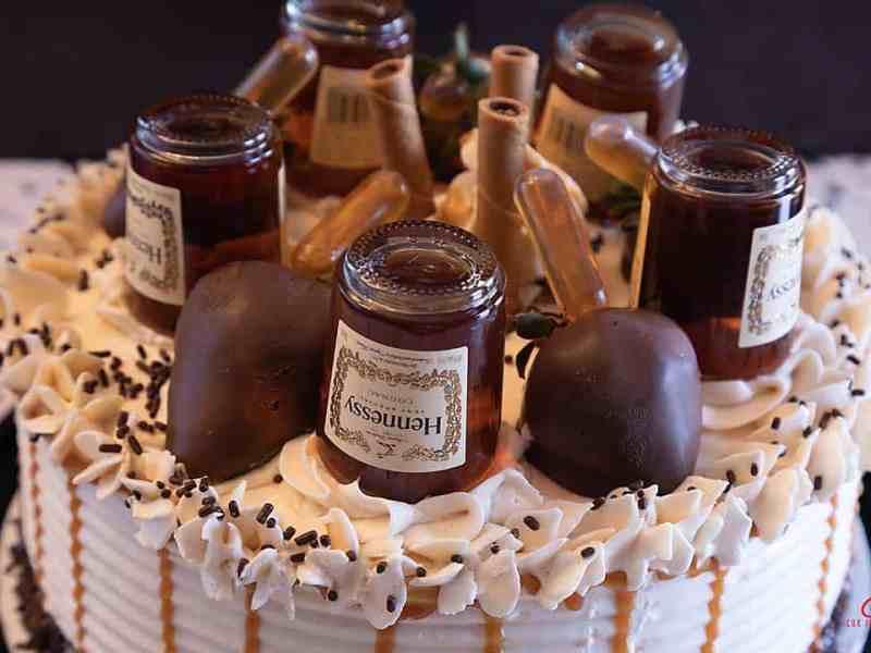 Hennessy Cake Mini