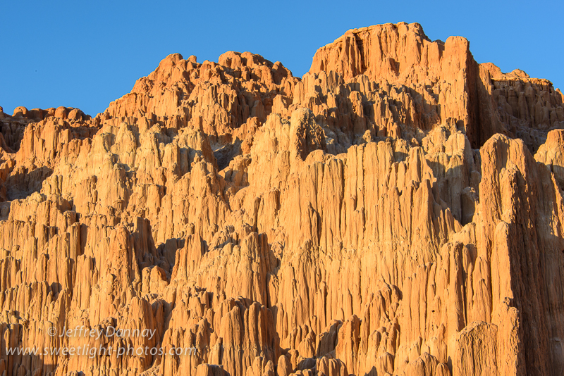 Cathedral Gorge just before the sun set (Nikon D800, 72mm, F/20, 1/20 sec, ISO 100)