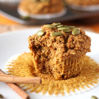 Start the fall season off right with these incredibly easy pumpkin carrot muffins! These are vegan, free of gluten and deeelicious!