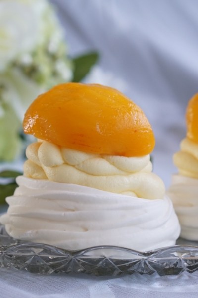 Healthy Non-Fat Mini Peach Pavlovas