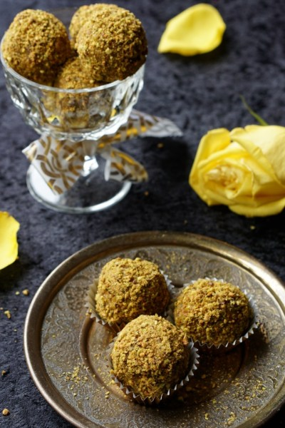 Healthy Indian-Inspired Banana and Pistachio Cake Bites