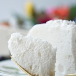 With this Super-Easy Low-Calorie Marshmallow Dessert recipe you'll loose all those extra pounds AND indulge your dessert cravings at the same time!