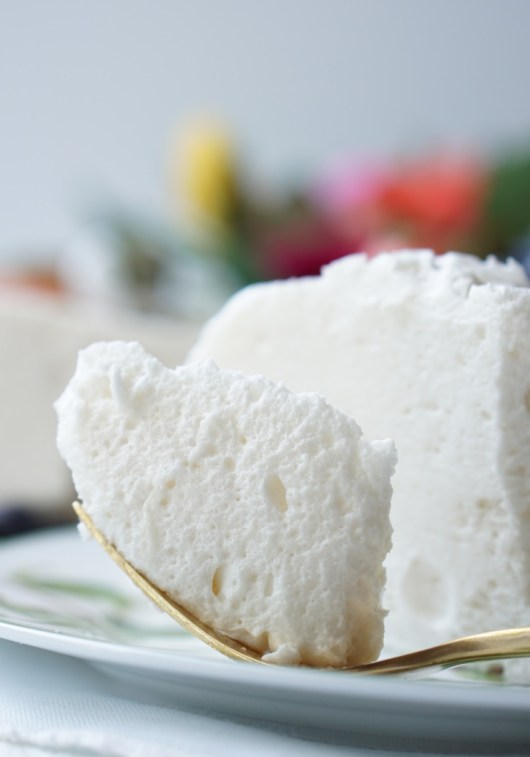 Healthy, Low-Calorie Meringue Dessert 4
