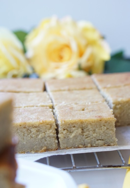 This is a recipe for the Super-Healthy White Chocolate Banana Blondies - made with millet - a healthy, bright-yellow and sweet-tasking ancient grain, they are soft, silky, low-calorie, but super-decadent and super-yummy!