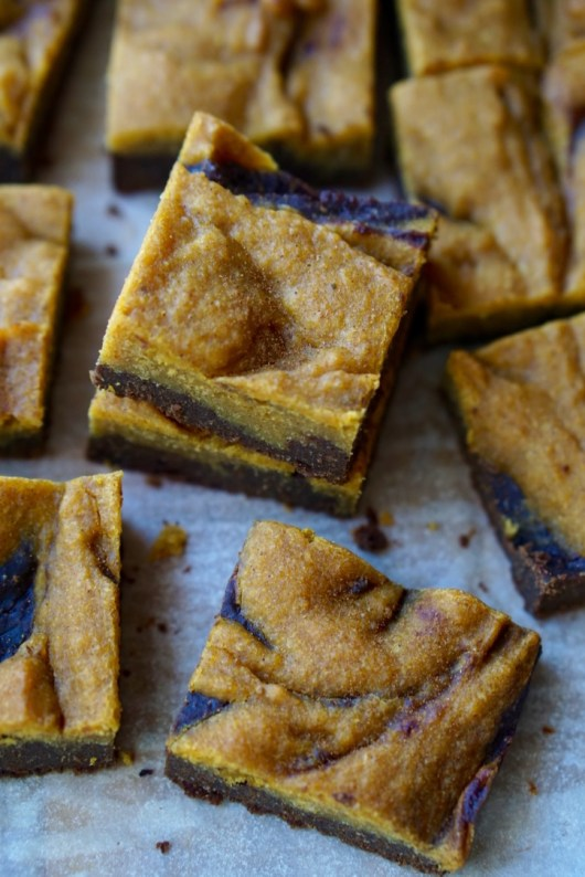 The Healthy Chocolate Pumpkin Bars Recipe: super-simple to make, low-fat, low-calorie, refined sugar free, all natural and SUPER-YUMMY! They make a perfect Healthy No-Guilt Fall Treat!