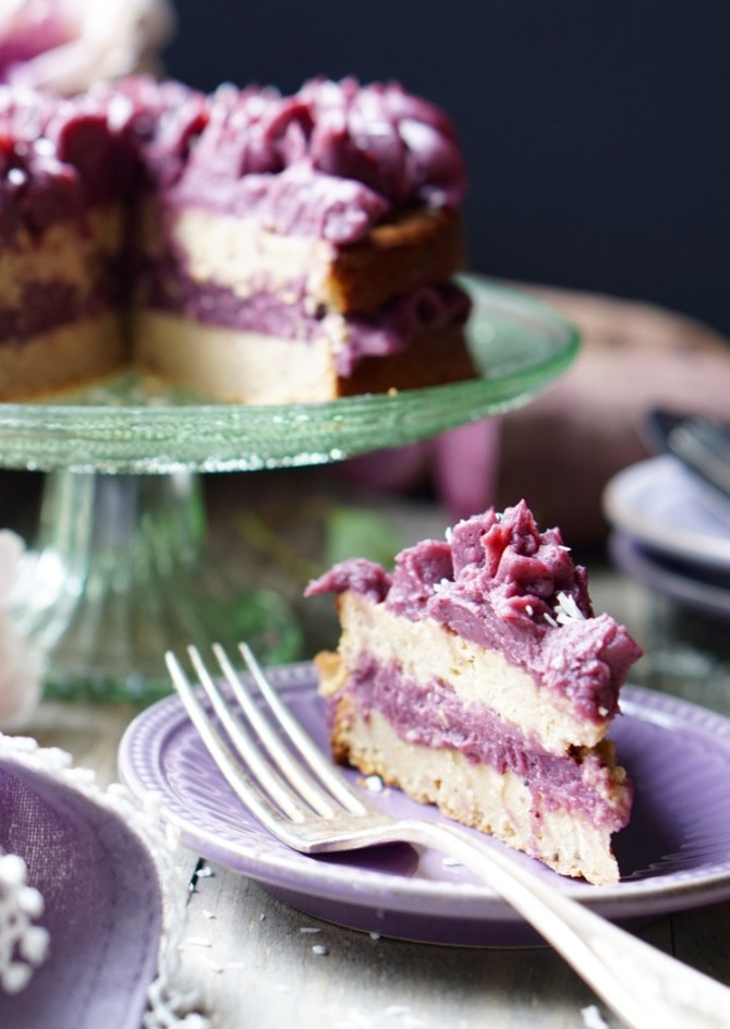 The Healthy Low-Calorie Vegan Cake is naturally sugar-free, gluten-free, low-fat and high-protein, and it's topped with the sugar-free, fat-free purple sweet potato frosting! Super-easy to make, very pretty, and extra-decadent!