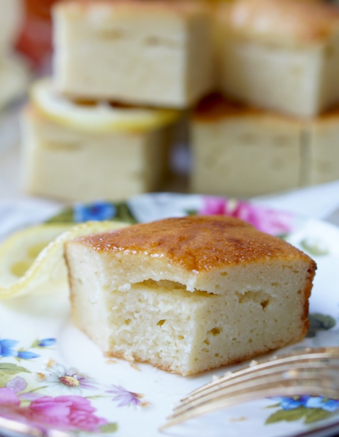 The Healthy Lemon Semolina Cake is low-fat, low-sugar and low-calorie, yet it's extra-moist, super-sweet and very easy to prepare!