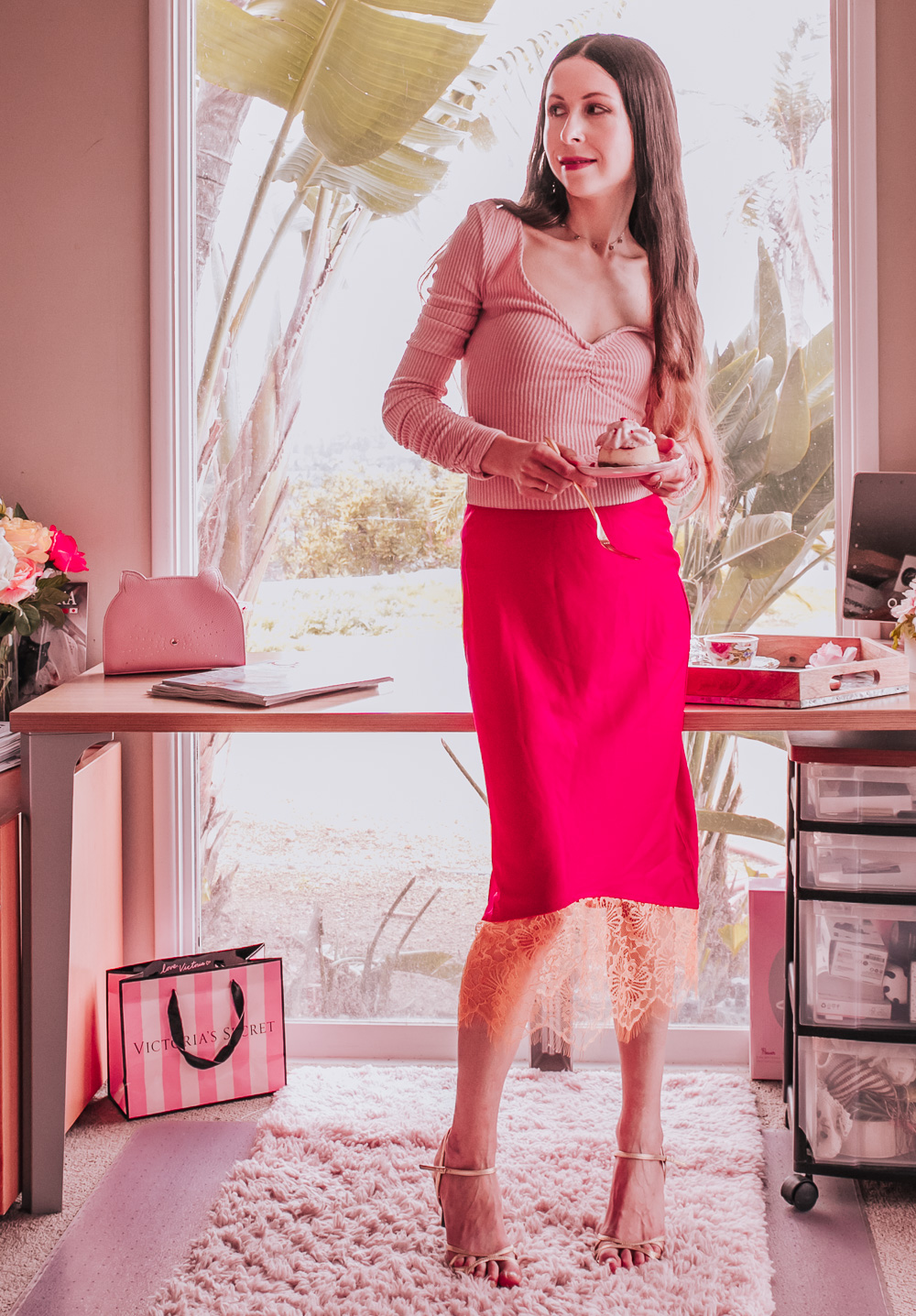 This Pink Top and Red Skirt Outfit is beautiful and casual at the same time!