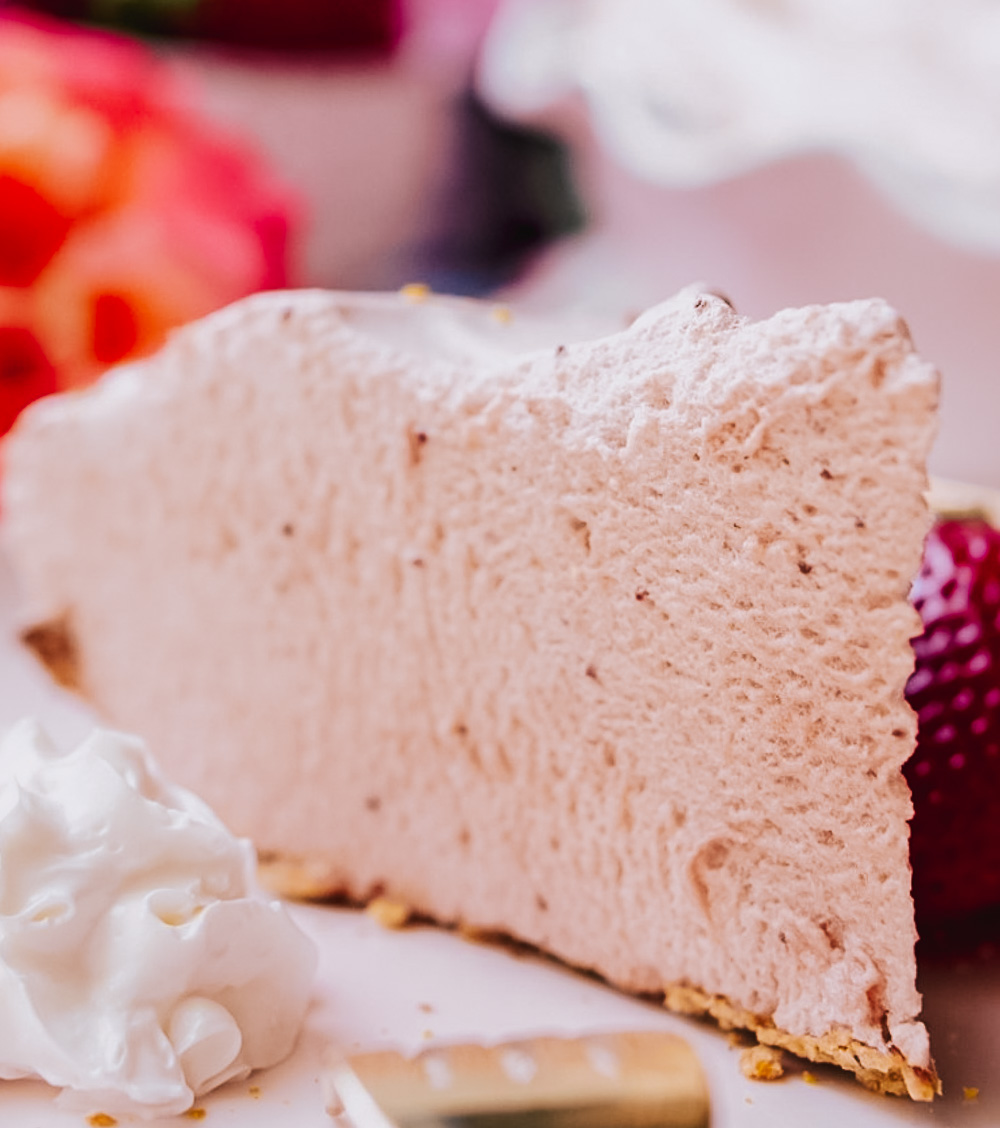 Healthy Strawberry Meringue Pie