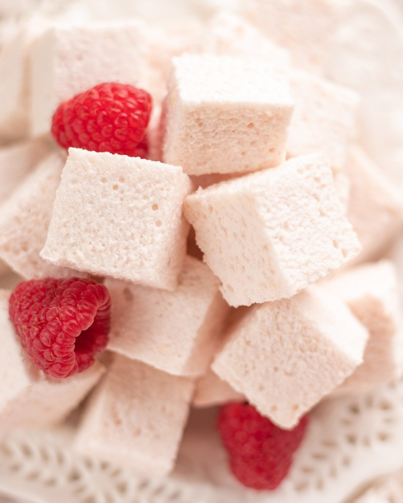These Healthy Low-Calorie Raspberry Marshmallows are just as delicious as the traditional sugary treat, only they are naturally low-sugar, high in protein and antioxidants, and so guiltless - you can eat the whole batch at night and feel good about it! Just 10 calories a serving!