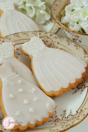 Wedding dress cookies, Wedding favours London