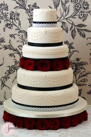 Black and White wedding cakes, Gothic wedding cakes