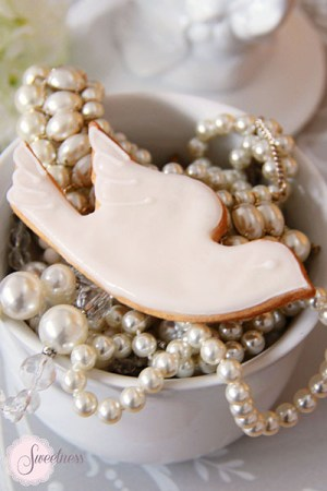 Dove cookies, Wedding favours London