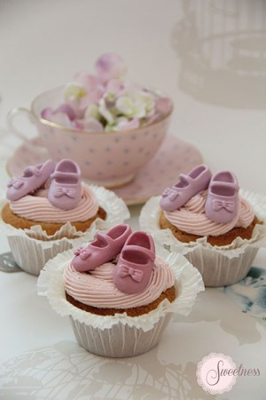 Baby Shoes Baby Shower cupcakes London