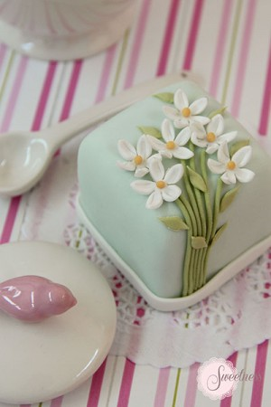 Mini Cakes London, Daisy mini cakes