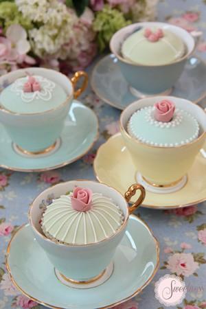 Tea Party cupcakes London, wedding cupcakes london, vintage cupcakes, cupcakes london, wedding cakes london