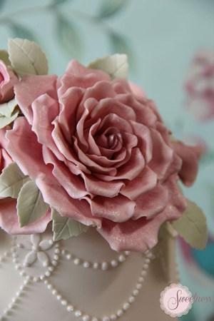 Vintage Rose wedding cake