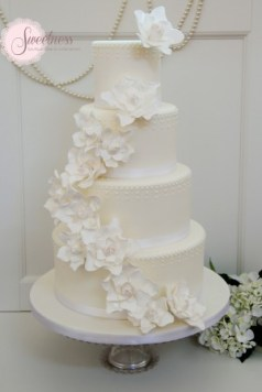 White wedding cakes, London wedding cakes, Wedding cake designer London