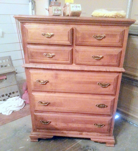 Sweet Pickins Furniture   Milk Paint Dresser