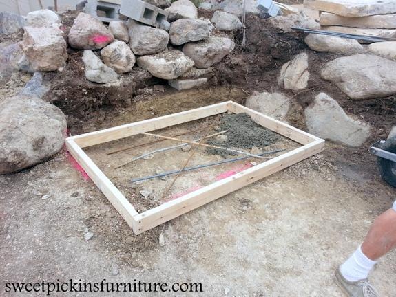 Sweetpickinsfurniture.com  DIY outdoor fireplace