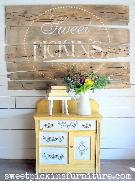Sweet Pickins Milk Paint - Marigold and Light Cream 1