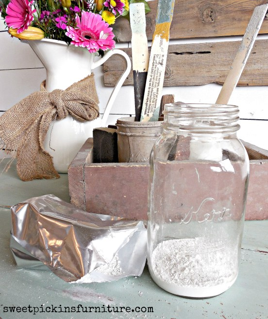 Sweet Pickins Milk Paint - mixing tutorial 7